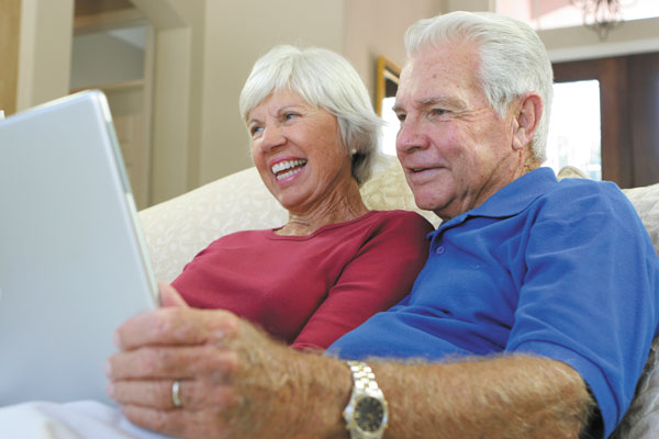 internet help boost health computer couple