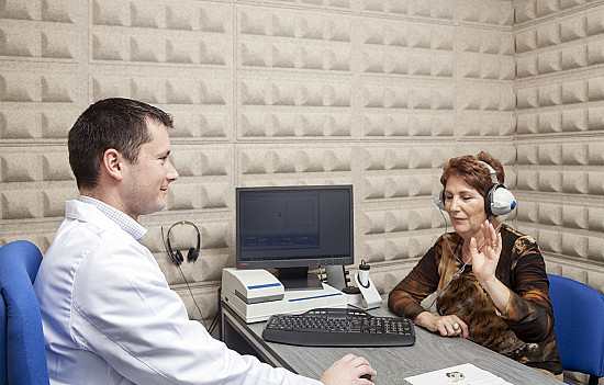 Chemotherapy and hearing loss: Monitoring is essential featured image