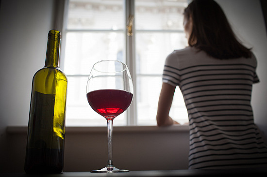 Women, alcohol, and COVID-19 featured image