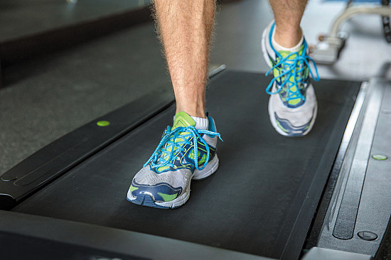 High-intensity walking may reduce leg pain from artery disease featured image