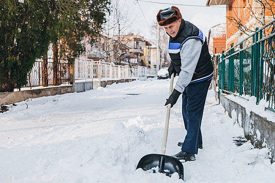 Protect your heart when shoveling snow featured image