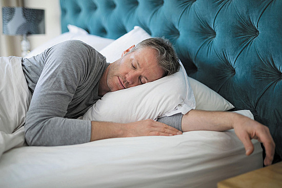 Will getting more sleep help protect me from dementia? featured image