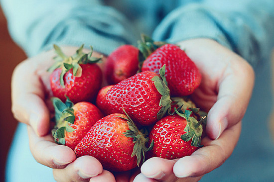 Eat these fruits for their anti-inflammatory benefits featured image