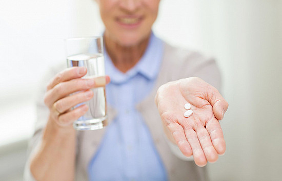 Experts recommend low-dose aspirin to prevent stroke in women featured image