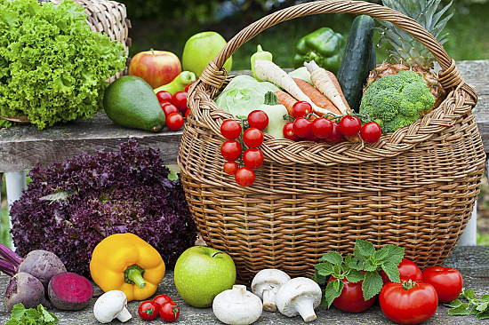 13 ways to add fruits and vegetables to your diet featured image