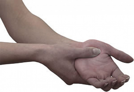 Top 5 ways to reduce crippling hand pain featured image