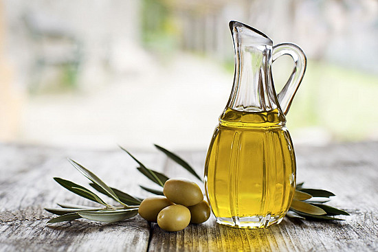 High olive oil consumption linked to lower breast cancer risk featured image