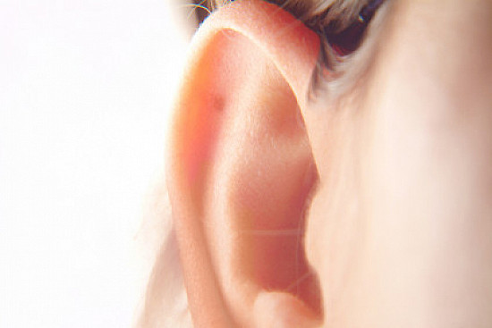 Are you missing early warning signs of hearing loss? featured image