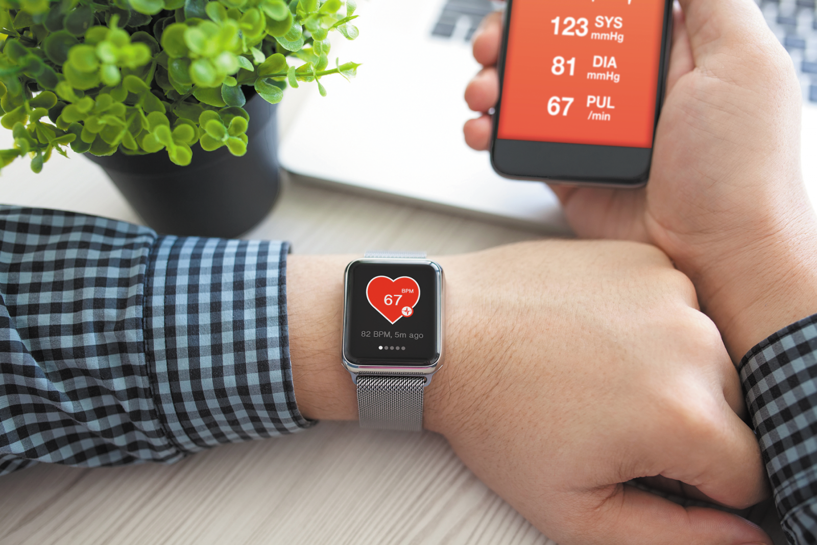monitoring heart rhythm with smartphone