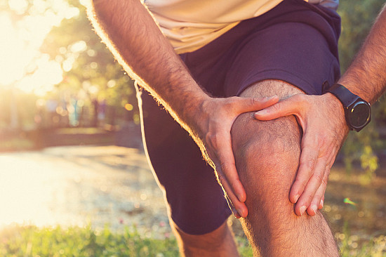 Are cracking joints a sign of arthritis? featured image