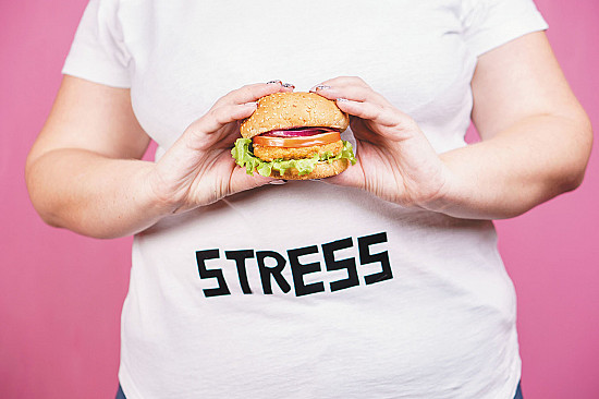 Simple strategies to stop stress-related overeating featured image