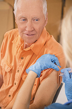 Flu shot may lower risk of early death in people with high blood pressure featured image