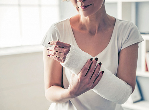 Eczema is associated with a higher risk of bone breaks featured image