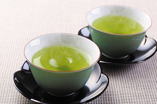 Another benefit of drinking green tea or coffee featured image