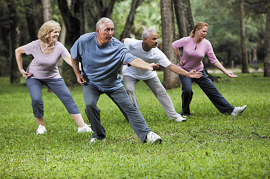 Tai chi or yoga? 4 important differences featured image