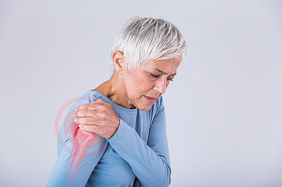Steroid injection may be the best medicine for frozen shoulder featured image