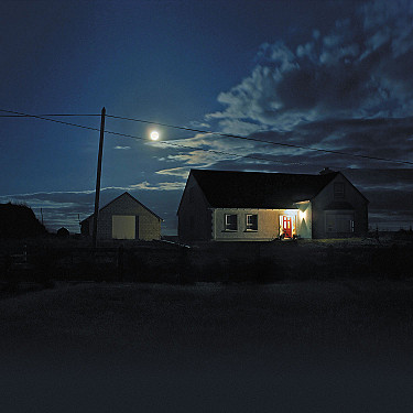 Moonlight may affect sleep cycles featured image