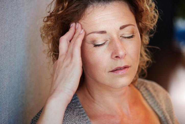 hb-headache-0316207264633748