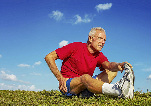Exercising with knee or hip pain featured image