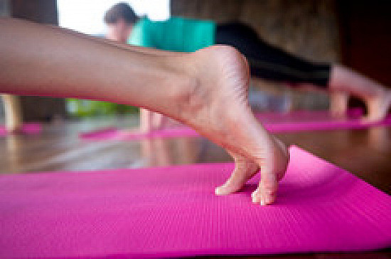 Yoga may help feet, ease migraine featured image
