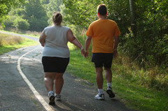 Couple-walking-on-trail