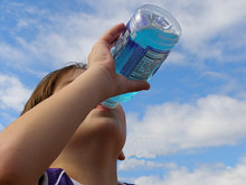 Trade sports drinks for water featured image