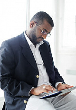 4 tips for preventing neck strain when using a tablet computer featured image