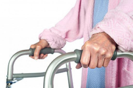 Two questions can reveal mobility problems in seniors featured image