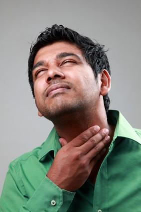 Man-with-sore-throat-e1383590270654