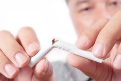 Man-breaking-cigarette
