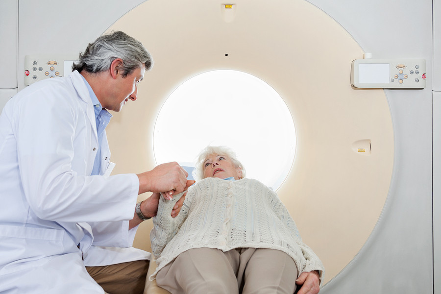Woman-preparing-for-CT-scan