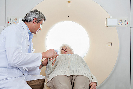 Medicare says it will cover lung cancer scans for long-time smokers featured image