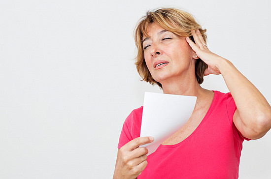 Menopause-related hot flashes and night sweats can last for years featured image