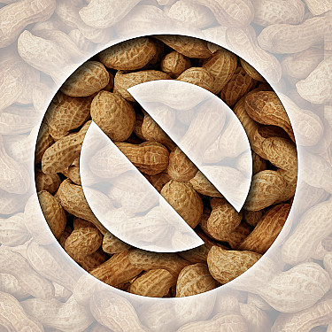 Children who eat peanuts at an early age may prevent peanut allergies featured image
