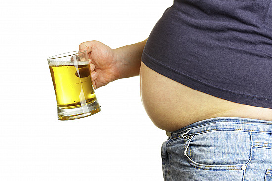 Should alcoholic drinks come with calorie labels? featured image