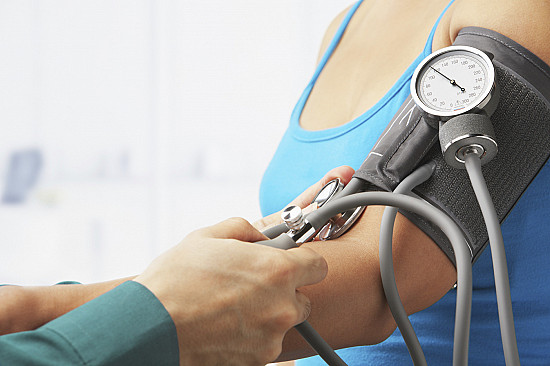 Mild high blood pressure in young adults linked to heart problems later in life featured image
