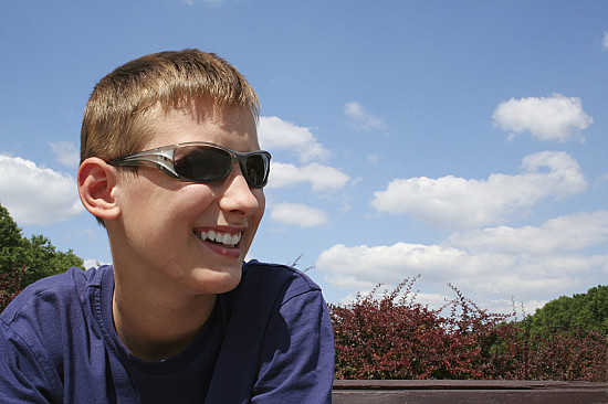 Use sunglasses for vision protection starting at an early age featured image