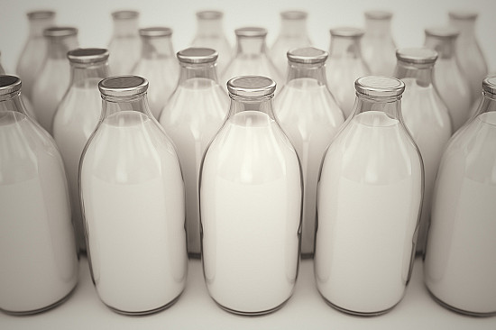 How well does calcium intake really protect your bones? featured image
