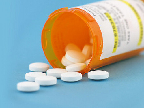 Teens and medicines that cause birth defects: Do doctors drop the ball? featured image