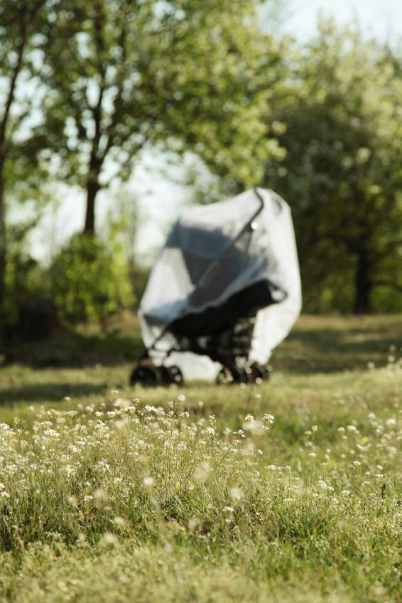 mosquito-netting-on-stroller-blog-02-23-16