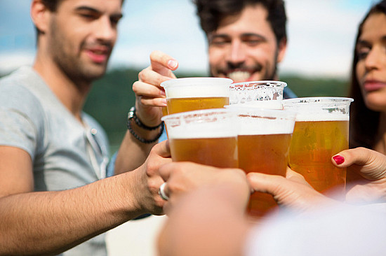 People who exercise more also tend to drink more (alcohol) featured image