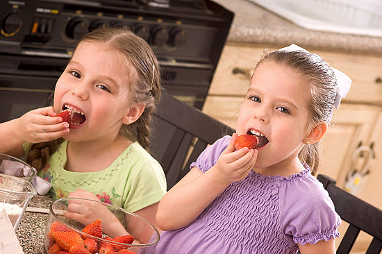 The 3 biggest feeding mistakes you can make with your preschooler featured image