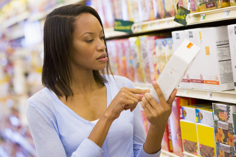 Woman-reading-food-label_canstockphoto1890185