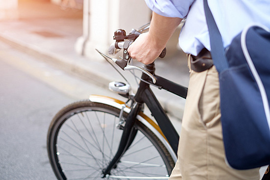 Biking to work linked to reduced risk of heart disease, cancer, and early death featured image