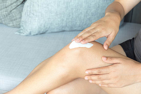A doctor answers 5 questions about dry skin featured image