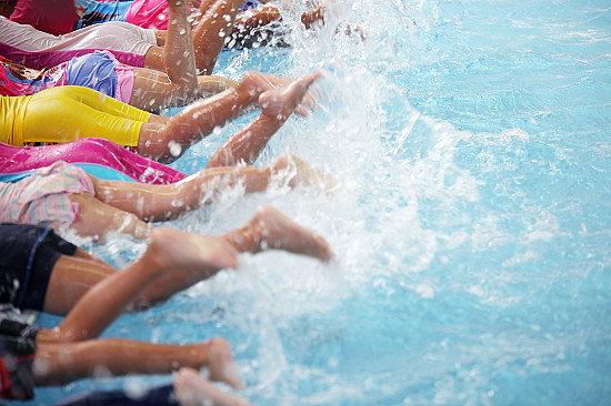 Swimming lessons: 10 things parents should know featured image