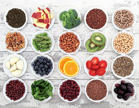 10 superfoods to boost a healthy diet featured image