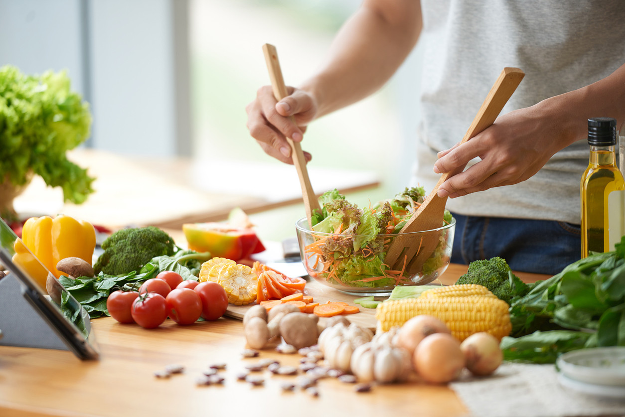 cooking-vegetables-salad-healthy-eating-iStock-603906484