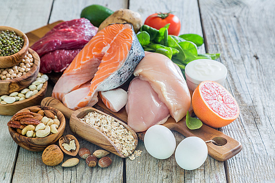 Can a low-carbohydrate diet help keep weight off? featured image