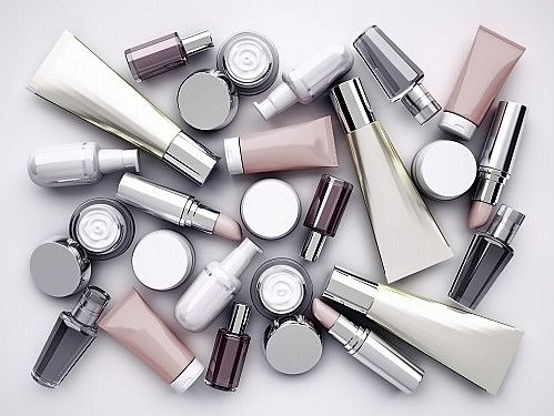 Clean cosmetics: The science behind the trend featured image